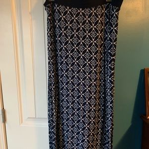 Maxi skirt with splits on each side